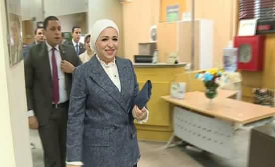 قرينة الرئيس عبد الفتاح السيسي تتوجه للتبرع لصالح حساب صندوق تحيا مصر