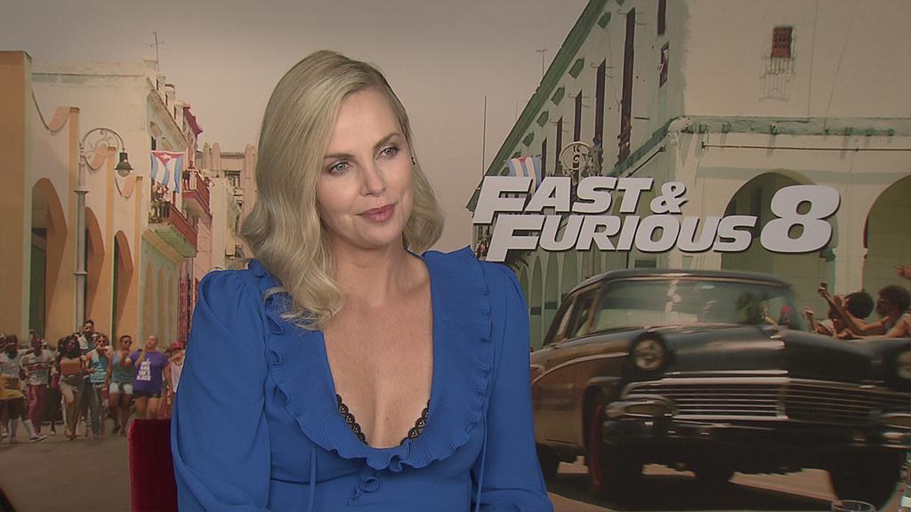 تشارليز ثيرون تعتذر لجمهورها مقدمًا على ما دورها في Fast & Furious 8..فيديو