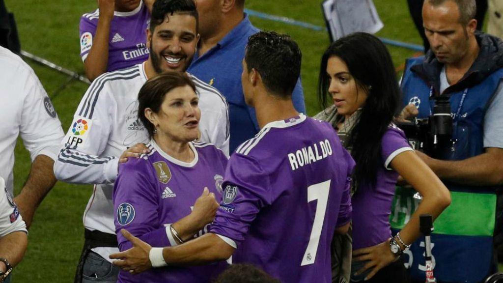 والدة رونالدو