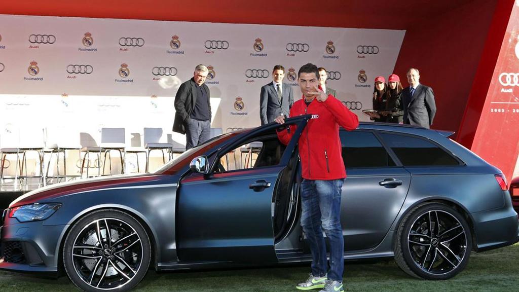 صور.. سيارة خارقة يمتلكها رونالدو..
