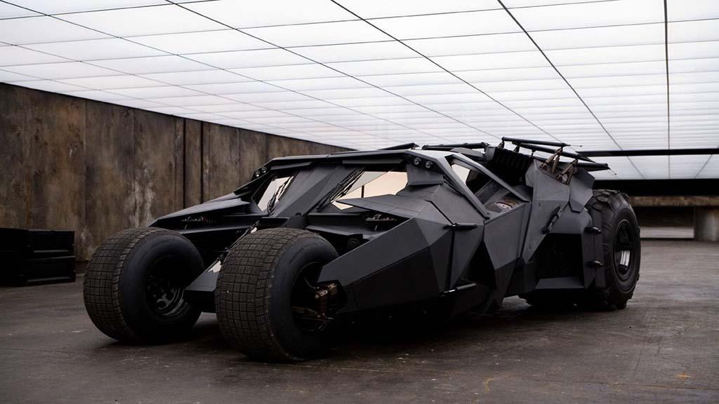 سعر خيالي.. سيارة باتمان للبيع في الإمارات!!